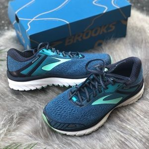 Brooke's | Adrenaline GTS 18 Sneakers 6 Wide